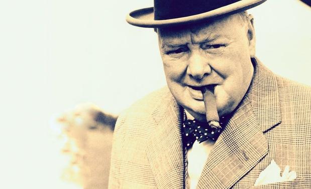 "Winston Churchill et le covid: ""Si tu traverses l'enfer, ne t'arrête pas!"""