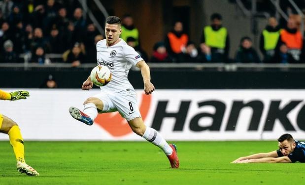 Frankfurtspits Luka Jovic (21) op de radar van Barça én Real