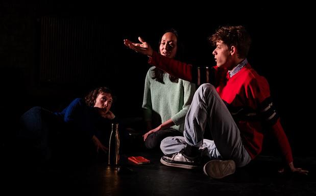 Dansvoorstelling 'Moving Ballads' ontplooit zich als een lotusbloem