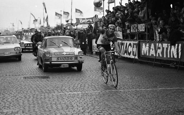Histoire des maillots jaunes: le Tour de France sous les feux de la rampe
