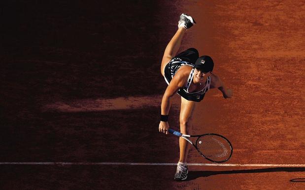 Australische tennishype Ashleigh Barty gaat voor unieke dubbel Parijs-Londen