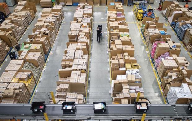 Les coups de génie (et tordus) d'Amazon: comment la start-up créée par Jeff Bezos est devenue ultradominante