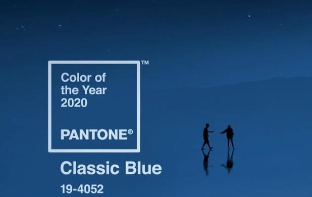 """Pantone voit 2020 en """" bleu classique """""""