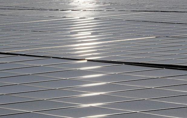 Walmart klaagt Tesla aan nadat zonnepanelen vuur vatten