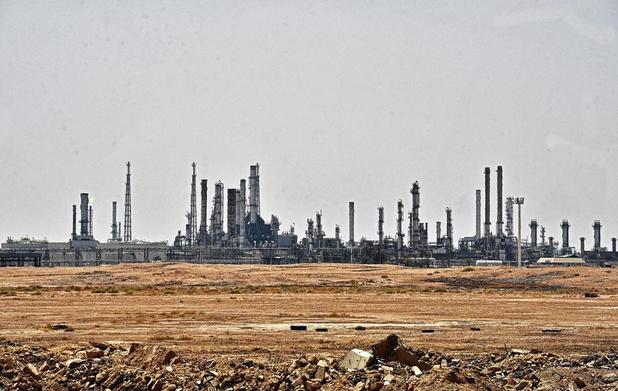 Attaque sur des installations pétrolières en Arabie saoudite: la fragilité d'un des maillons essentiels inquiète