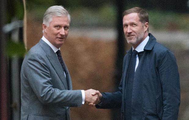 Koning Filip verlengt informateursopdracht van Paul Magnette met twee weken