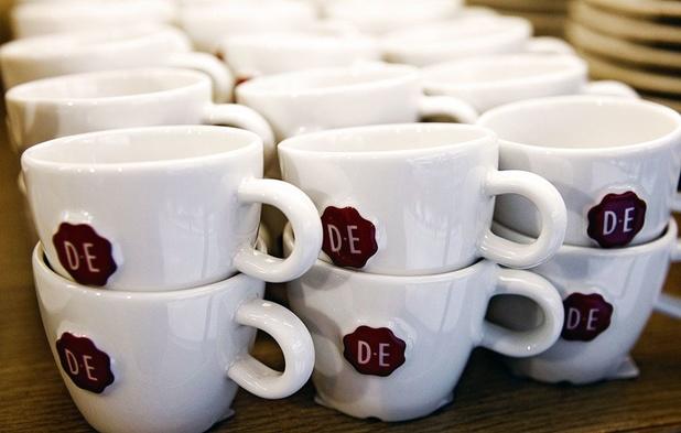 Minder Douwe Egberts in de rekken bij Colruyt door conflict over prijzen