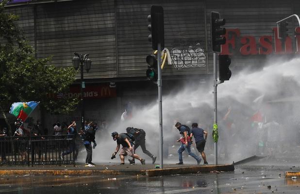 Chili: betogingen, algemene staking, rellen, 18 doden