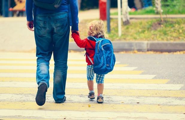 Halve dag ouderschapsverlof vanaf augustus ook in openbare sector