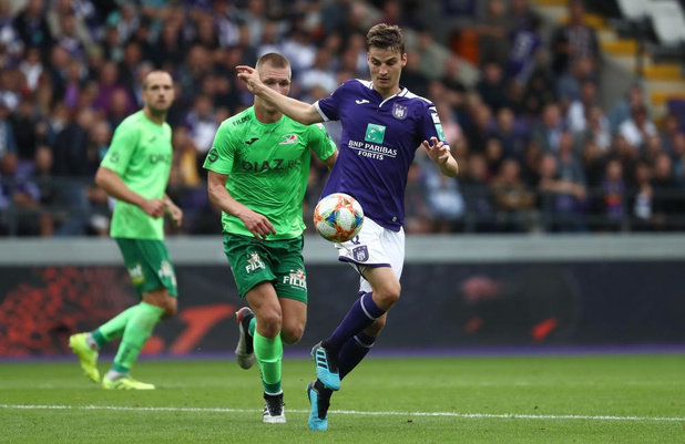 KV Oostende wint met 1-2 van Anderlecht én Kompany