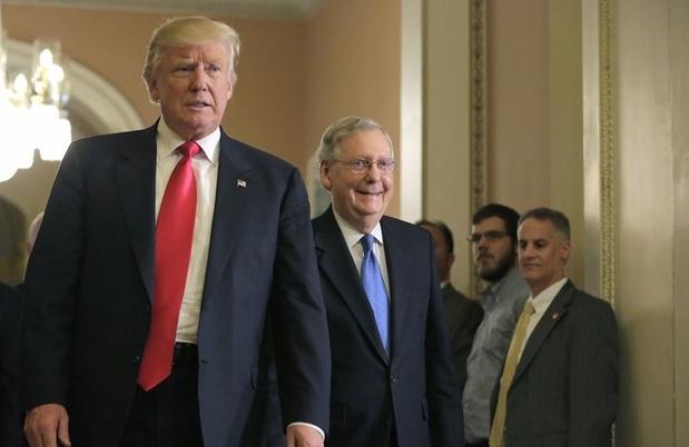 Fractieleider van de Republikeinen in Senaat McConnell steunt poging tot impeachment Trump
