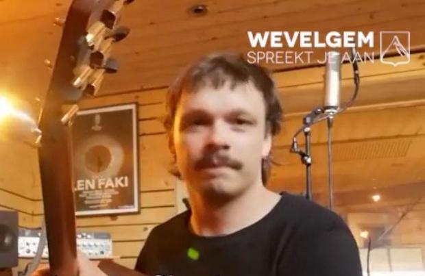 VIDEO - Brent Vanneste van rockband STAKE zet Wevelgem op muziek