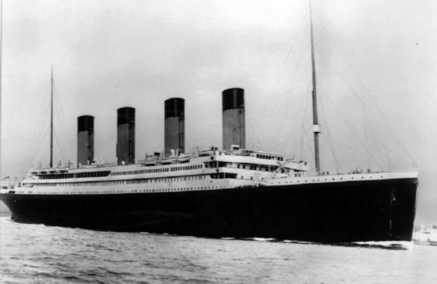 Explorez la véritable épave du Titanic à bord d'un sous-marin