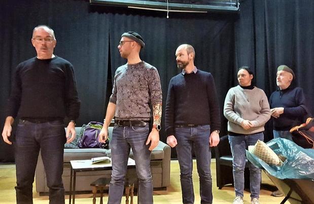 Ernst & Leute met hilarische klucht op de planken van Blankenbergs Khnopff-theater