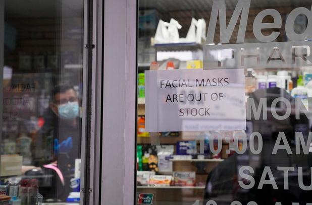 Coronavirus : pourquoi les citoyens dévalisent-ils les supermarchés ?