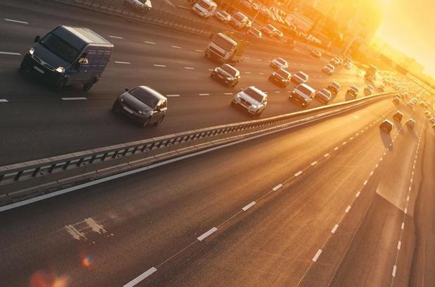 Londen start nieuwe heffing voor vervuilende wagens