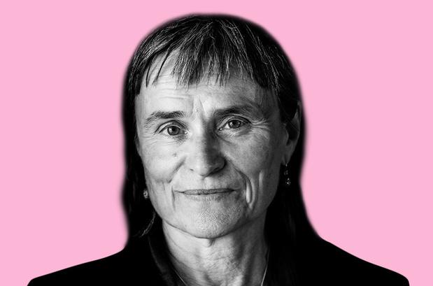 Schrijver Kristien Hemmerechts: 'Het zou zinvol zijn om deze dag te vervangen door een Internationale Dag van het Respectvol en Aandachtig Luisteren naar Elkaar'