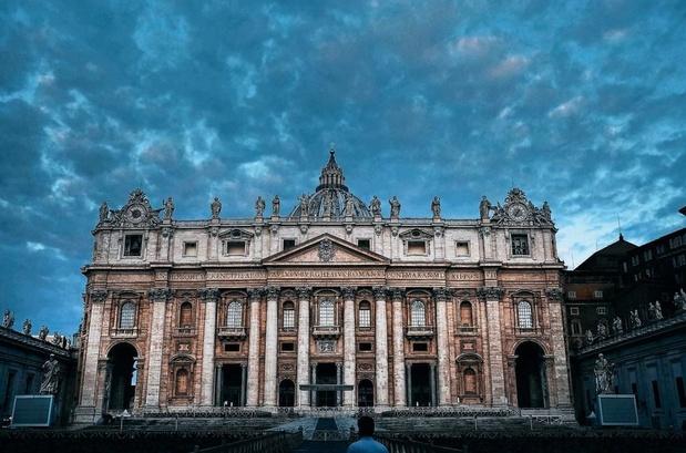 La basilique Saint-Pierre, entièrement désinfectée, rouvre lundi au public