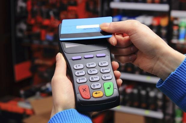 Le ministre des Finances veut le paiement électronique partout