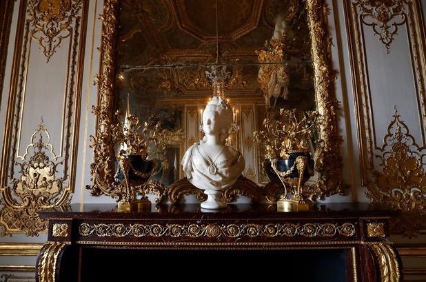 A Versailles, les appartements rénovés de la reine vont rouvrir au public