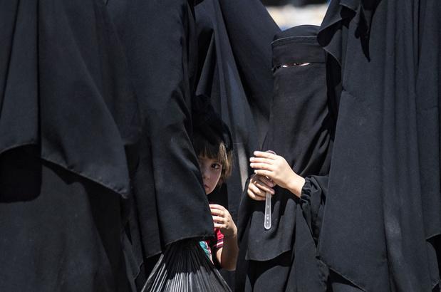 Teruggekeerde IS-vrouwen overgebracht naar gevangenis