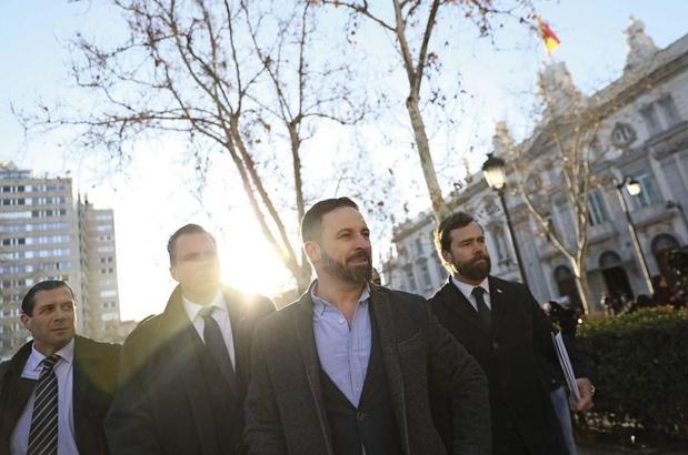 """""""Ce macho qui déstabilise la droite"""" : qui est le leader du parti extrémiste espagnol Vox, Santiago Abascal ?"""