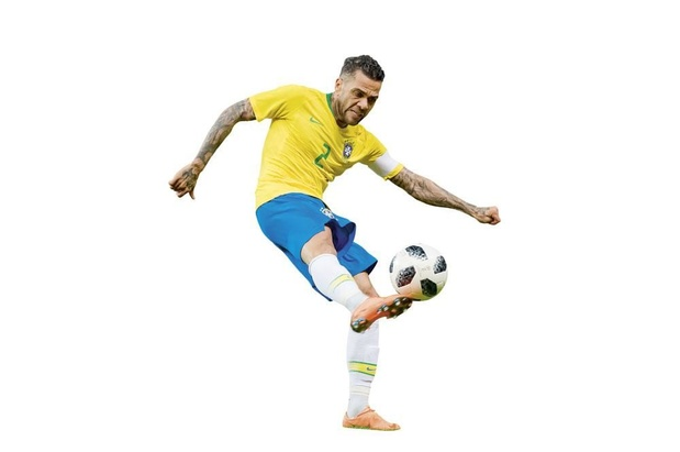 Dani Alves back to the roots in Sao Paulo