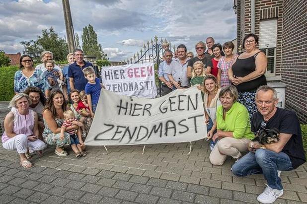 Vlaanderen keurt bouw zendmast in Beitem goed, stad wil zo snel mogelijk overleg