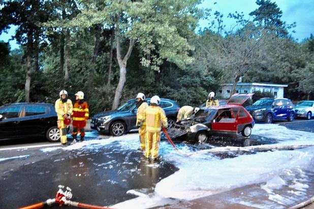 Auto vat vuur in Blankenberge