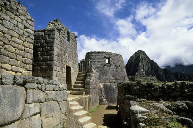 Peru zet vijf toeristen het land uit voor het beschadigen van Machu Picchu
