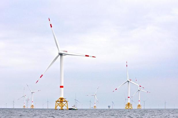 Komen er drijvende zonnepanelen in de windmolenparken op zee?