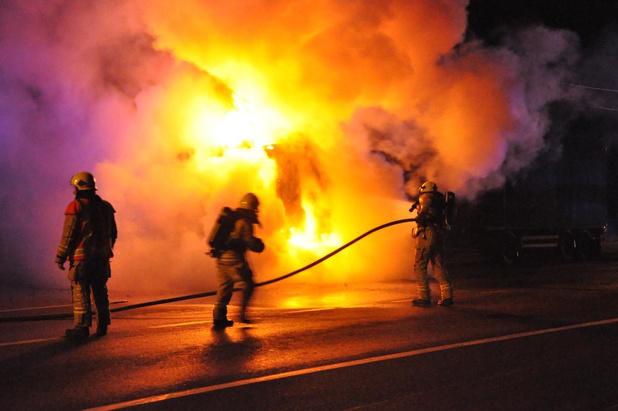 Onderzoek naar brandstichting van vrachtwagen in Diksmuide