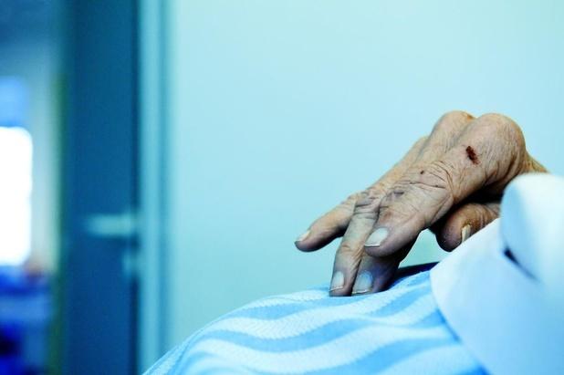 Hôpitaux à Anvers: Des témoignages font état de mauvais traitements sur des patients âgés