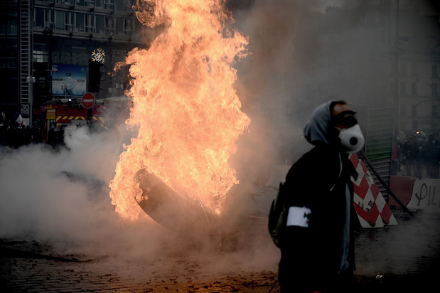 """Gilets jaunes: """"On a vu peu de manifestants, mais des voyous venus pour se battre"""""""