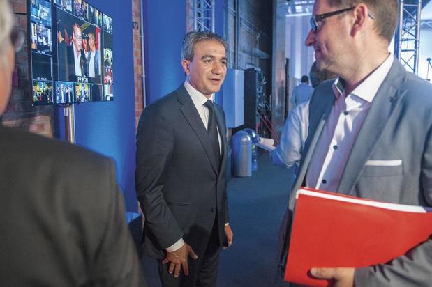 Emir Kir-Mahinur Ozdemir: Peut-on servir deux maîtres ?