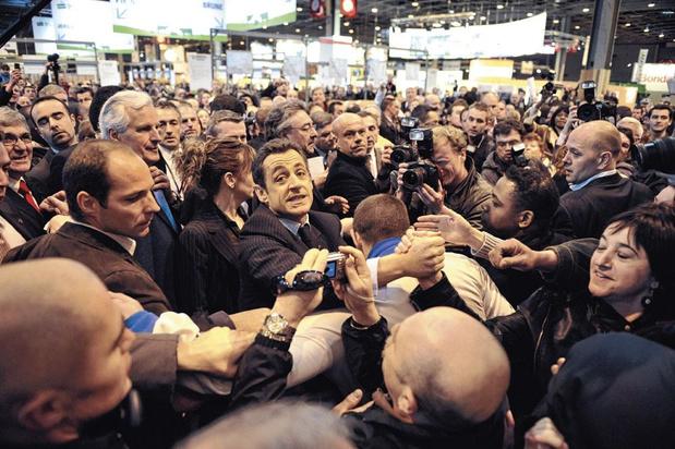 Sarkozy, Trump, Macron, Bolsonaro... La modernité favorise-t-elle la vulgarité ?