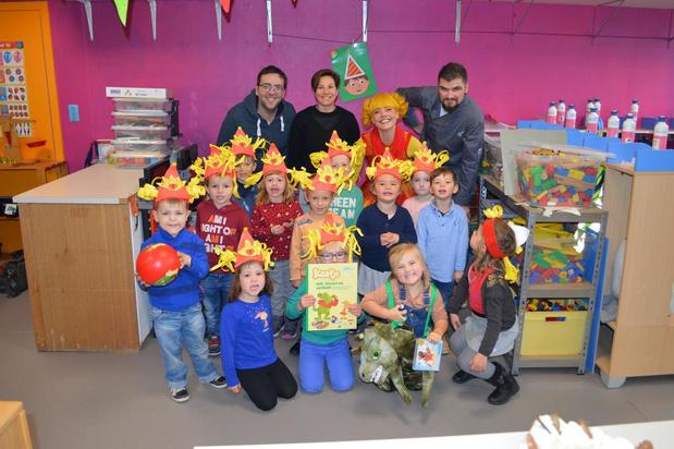 Kaatje Tralalaatje viert verjaardag in Nieuwpoortse kleuterschool De Vierboete