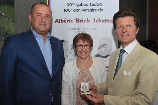 """Koninklijke Munt van België eert Flandrien Briek Schotte met officiële munt: """"Erg trots"""""""