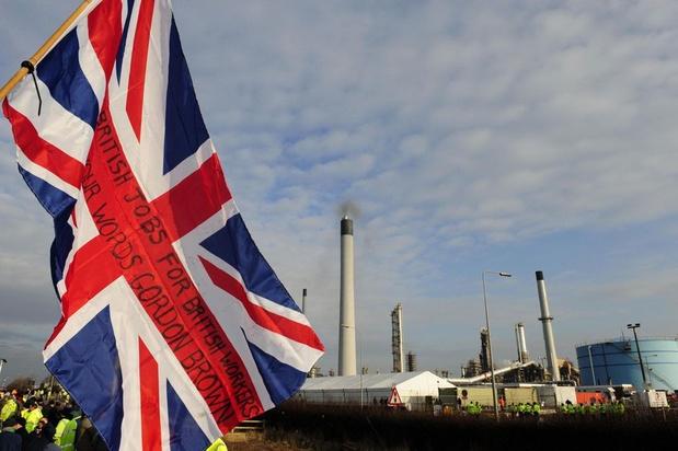 Britse economie krimpt