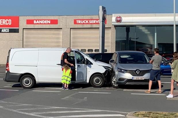 Ongeval met heel wat blikschade in Oostende