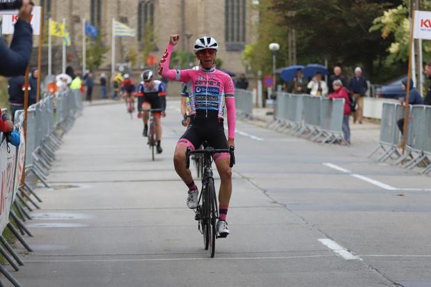 Alex Vandenbulcke wint in Vladslo