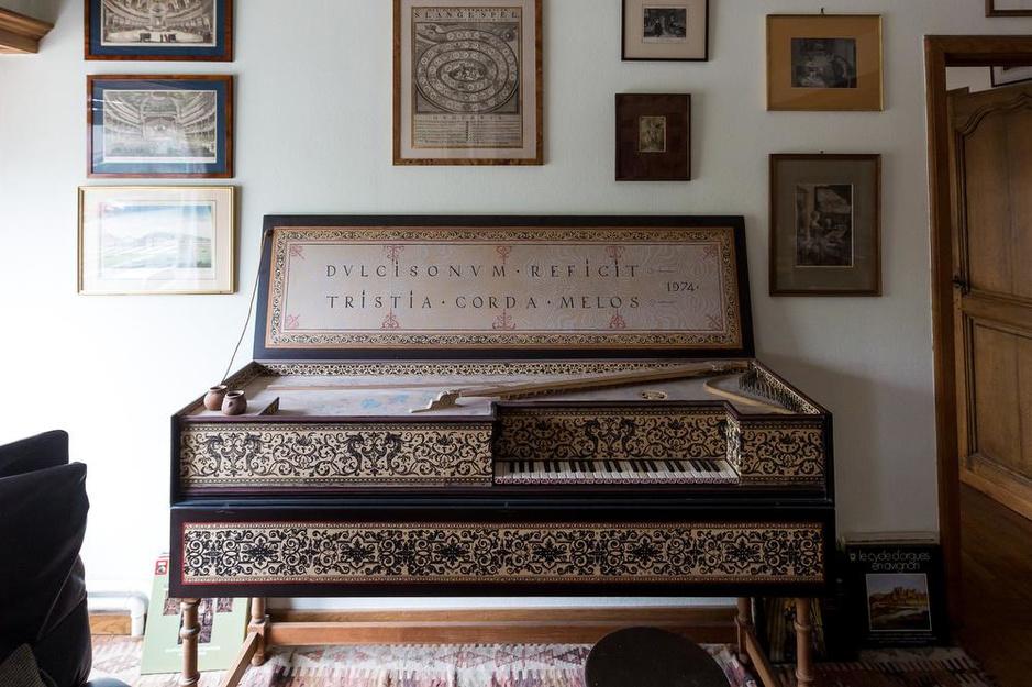Op bezoek bij musicus Johan Huys... In een echte schatkamer voor muziekliefhebbers