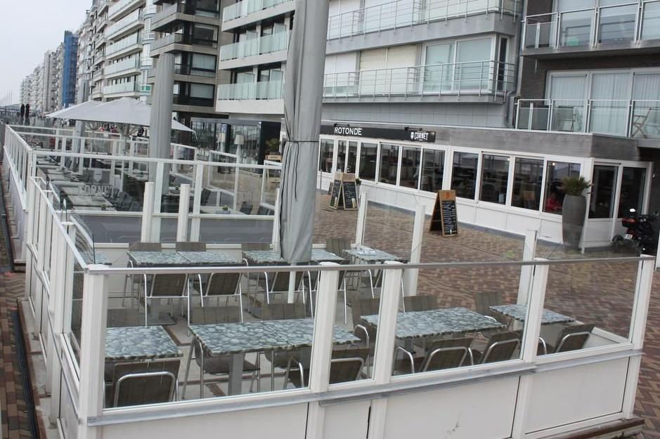 Horeca op zeedijk wil heel het jaar terrassen kunnen plaatsen