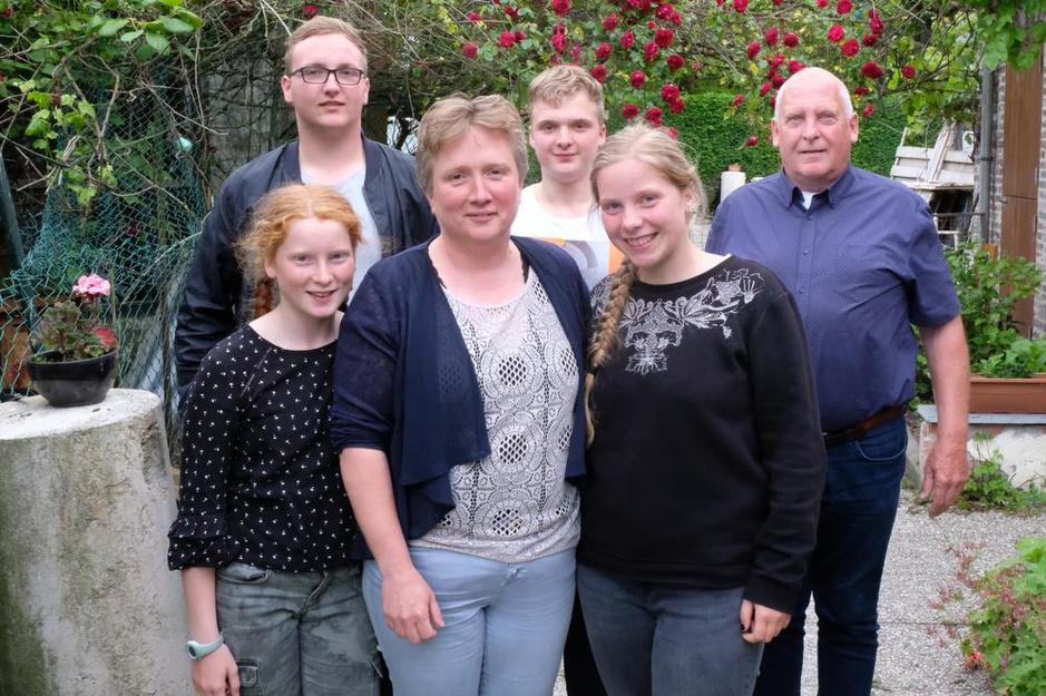 """Dominiek Sneppe (Vlaams Belang): """"Holebi's die trouwen en kinderen krijgen, vind ik een brug te ver"""""""
