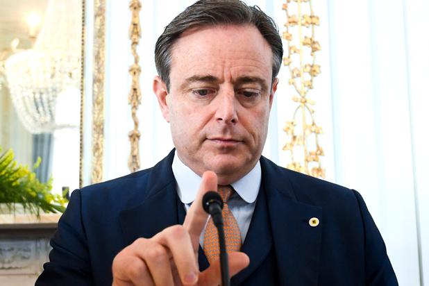 Stuurt de koning Bart De Wever op paars-gele helletocht?