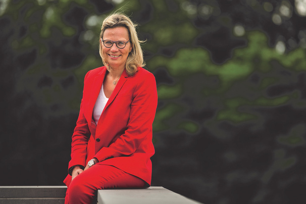 Danielle Knott, Chief Human Resources Officer (Carmeuse) est la Trends HR Manager of the Year 2019
