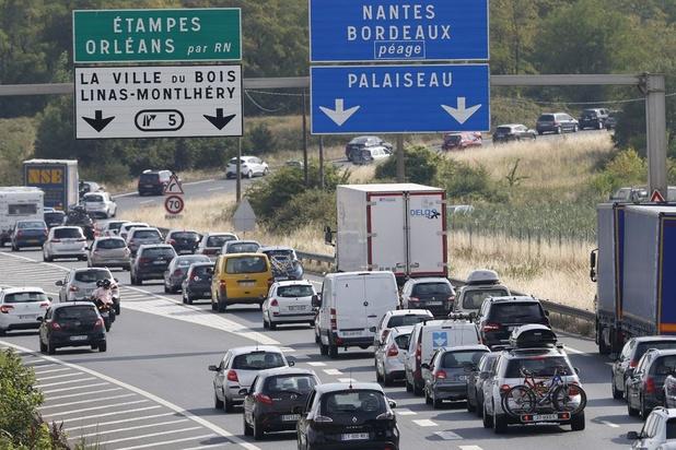 Premier samedi rouge sur les routes des vacances en France