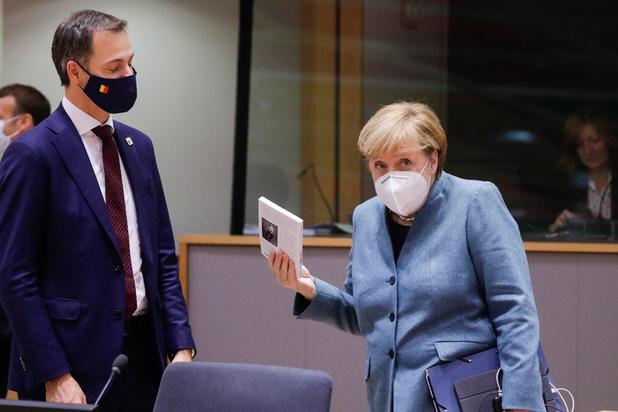 """Brexit : """"Des compromis"""" pour Merkel, De Croo veut un accord """"équilibré"""""""