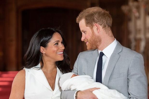 BBC-presentator ontslagen na racistische tweet over baby Meghan en prins Harry