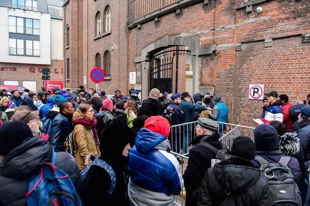 'Snellere terugkeer of betere integratie? Geef asielzoekers veel sneller duidelijkheid'